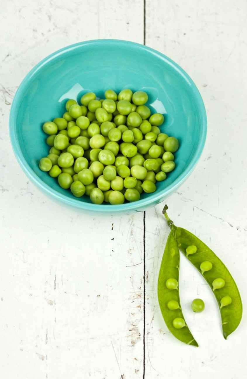 bunch of green peas