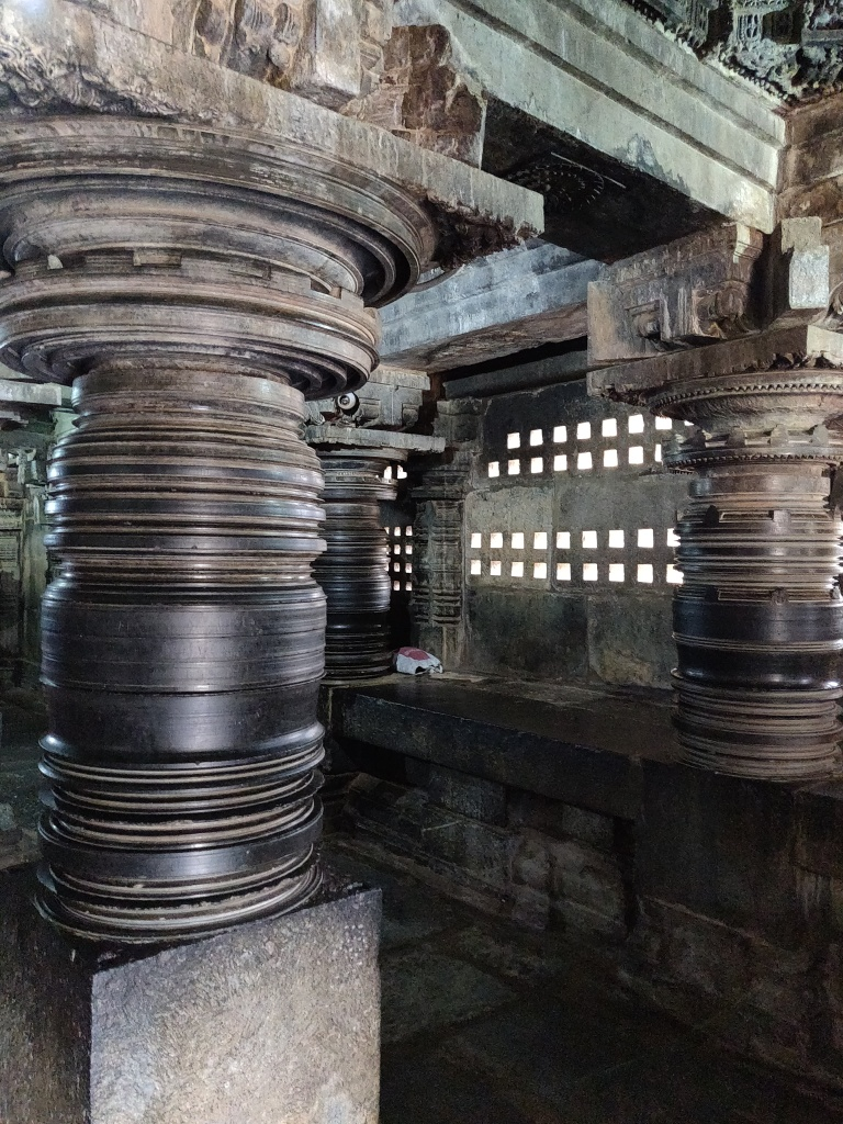 Smoothly Carved Pillars