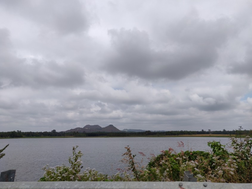Lake enroute to Sathyamangalam